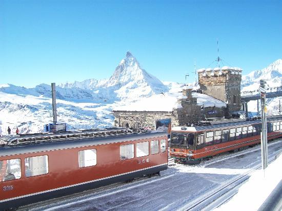 Zermatt-Matterhorn Ski Paradise: The Cornegratt railway station