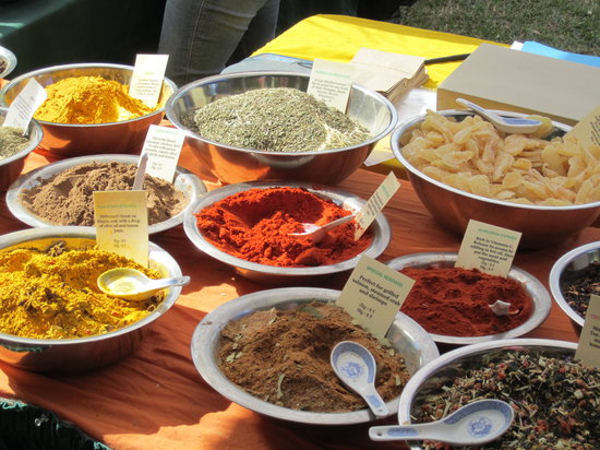 Homestead, Floride : You could sample fresh-aromatic  herbs and exotic spices and buy in any quantity the fragrance o
