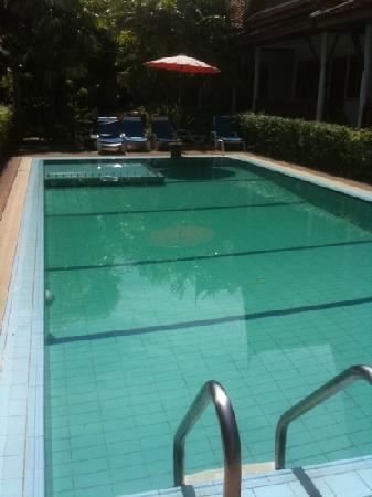 Bangtao Village Resort: La piscine