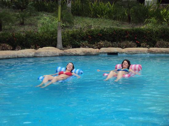Villas Hermosas: relaxing in the pool