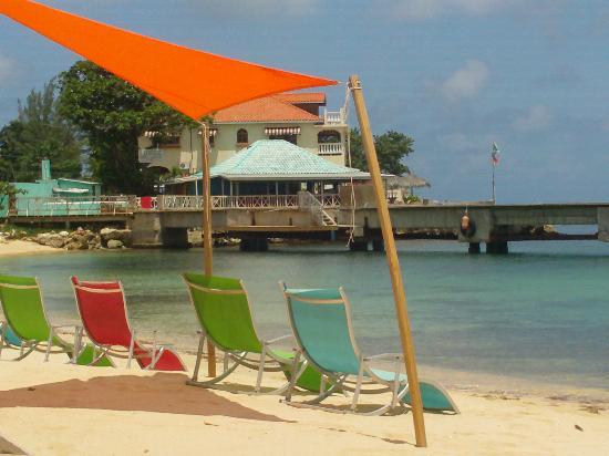 beach side @ canoe bar