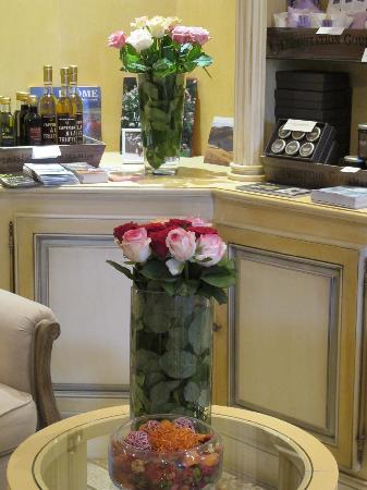Manoir de la Roseraie: les roses dans le manoir