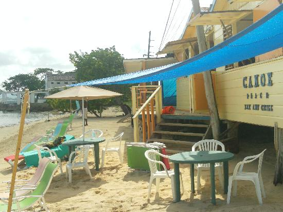 Canoe Bar: the place for peace & quiet