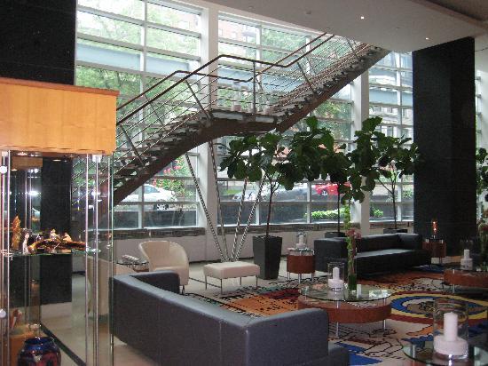 Sofitel Montreal Golden Mile: lobby