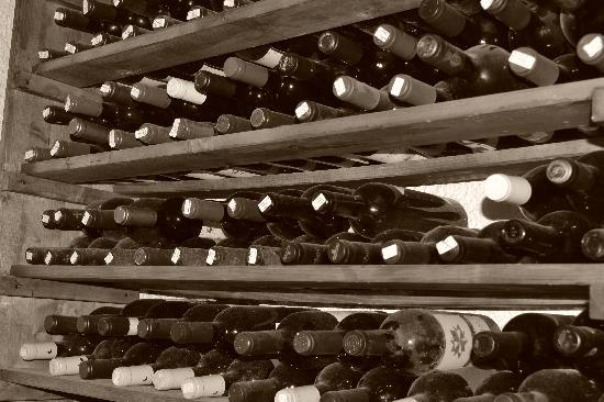 Taverna dei Boncompagni: Vasta scelta di vini