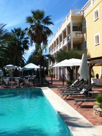 Le Domaine du Mirage: Domaine du Mirage Pool Area