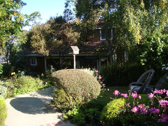 J. Patrick House Bed and Breakfast Inn: The garden