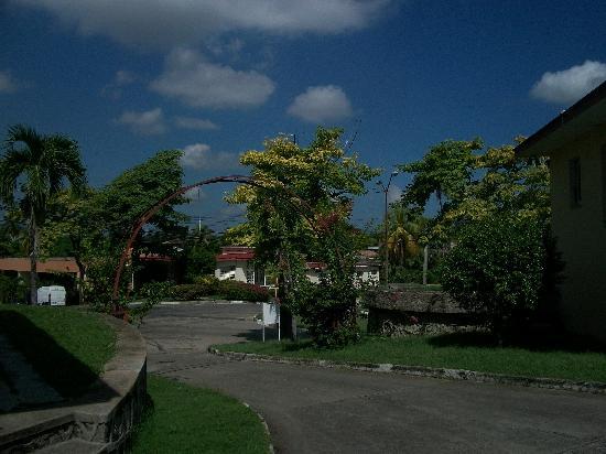 Villa Gaviota Santiago de Cuba: view from the pool