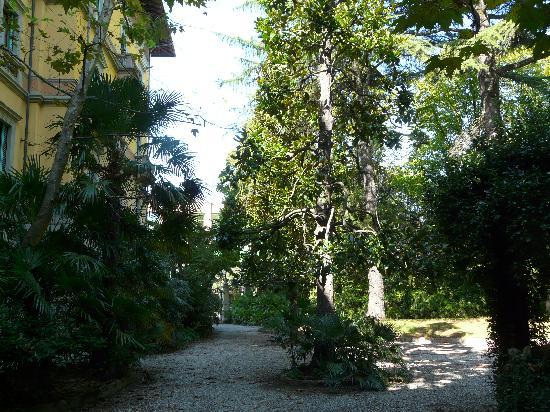 แกรนด์ โฮเต็ล แอนด์ ลา ปาเซ่: Le parc