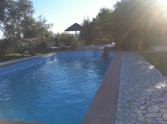 Residence Baia Salinedda: piscina