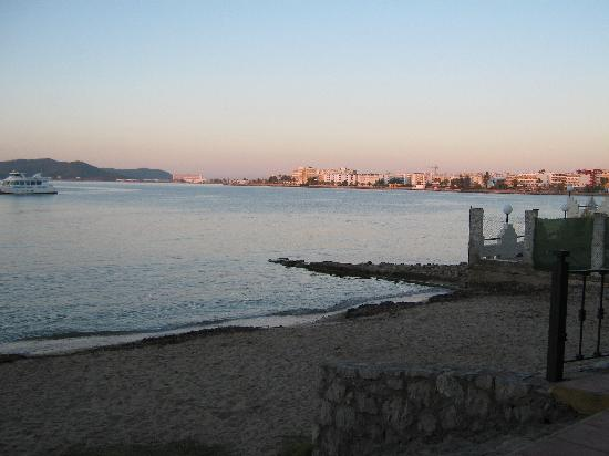 Hotel Playasol Maritimo: view from dining room
