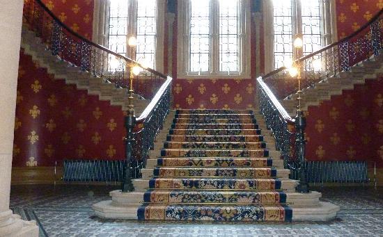 โรงแรมเซนต์แพนคราสเรเนซองส์ ลอนดอน: The grand staircase
