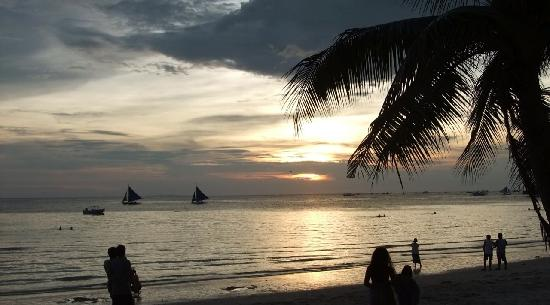 White Beach: Typical Sunset