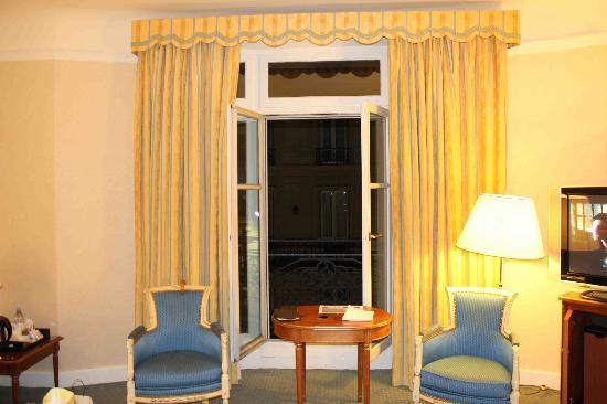 โซฟิเทล ปารีส อาร์ค เดอ ทริออมฟ์: vue de la suite 2