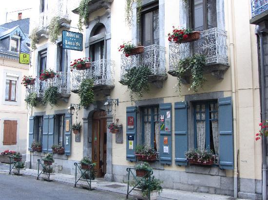 Hotel du Lion d'Or: hotel enterance