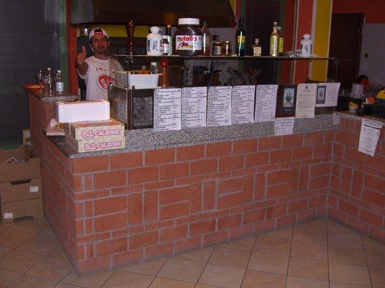 Pizzeria Il Portico: Bancone