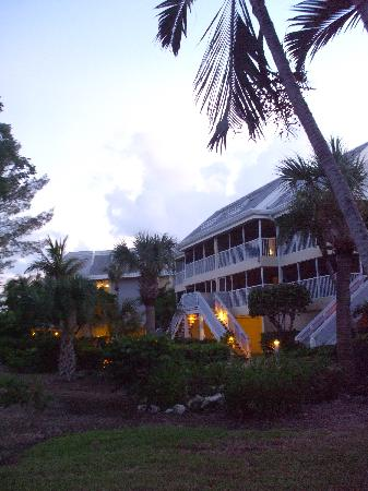Tortuga Beach Club Resort: ground view of room