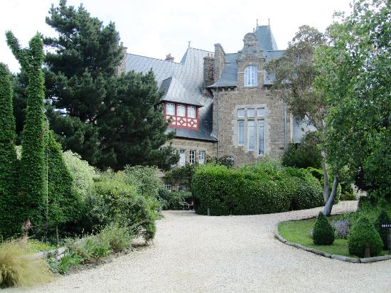 Le Restaurant de Coquillage: The lovely chateau