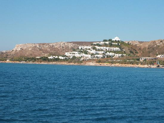Lagas Aegean Village: Hotel from boat going to Bubble beach