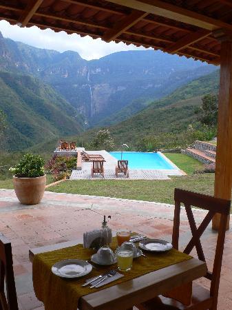 Gocta Andes Lodge: Breakfast on the verandah