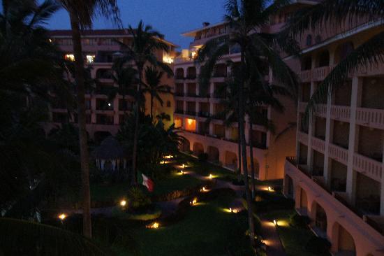 Torres Mazatlan Resort: Apartment blocks at Torres Mazatlan
