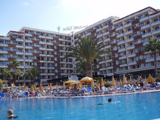 Spring Hotel Bitacora: Pools and hotel