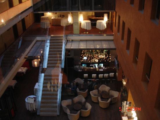 โรงแรมอวาลอน: Hotel Avalon