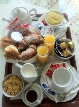 BW Premier Collection Hotel Syrene: breakfast!!