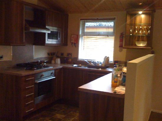 White Cross Bay Holiday Park: Nice kitchen