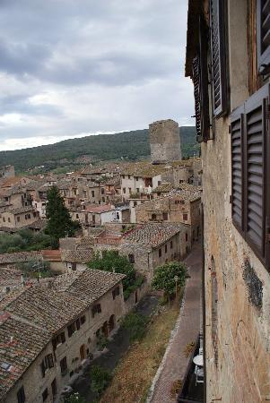 La Cisterna Hotel: Views below
