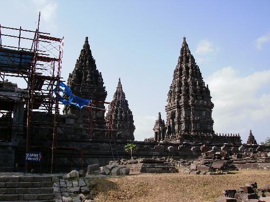 วัดพรัมบานัน: the prambanan temple