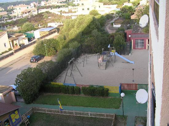 HYB Eurocalas: Vue de la chambre sur le parc aux jeux du mini club
