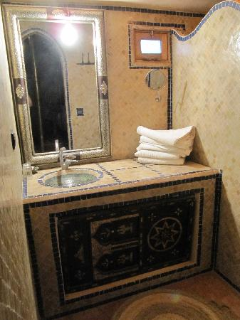 Chez le Pacha: The bathroom in the suite