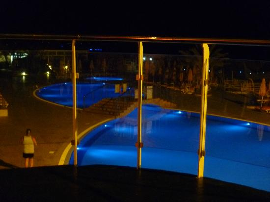 Yelken Blue Life Spa & Wellness Hotel: pool at night 2