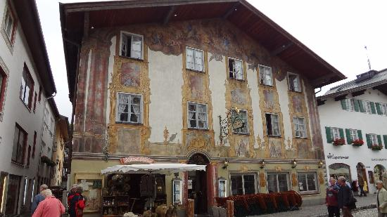 Alpenrose Traditionsgasthof: front of hotel
