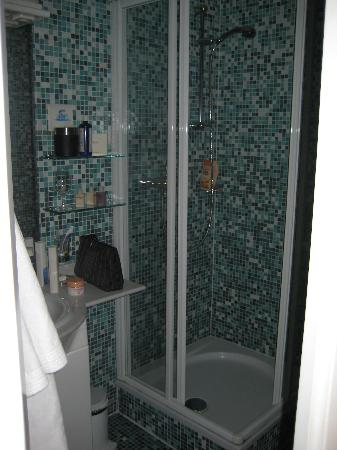 Hotel Rosenvilla: bagno con doccia