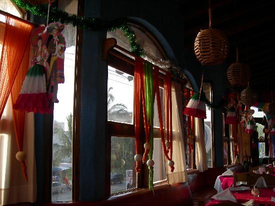 Los Zarapes: Restaurant Interior