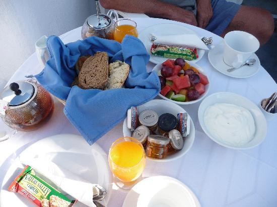 Atrina Canava 1894: Breakfast
