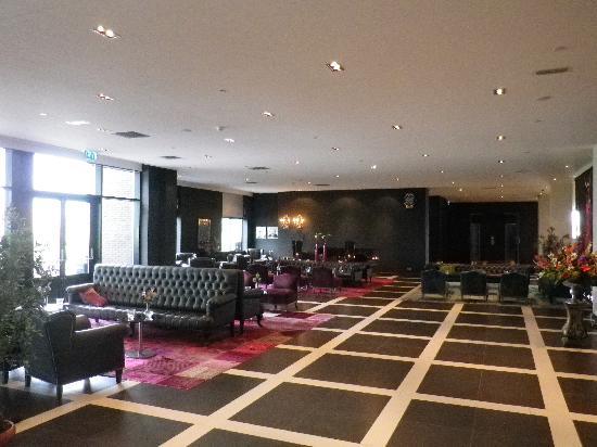 Van der Valk Hotel Duiven: Lounge area
