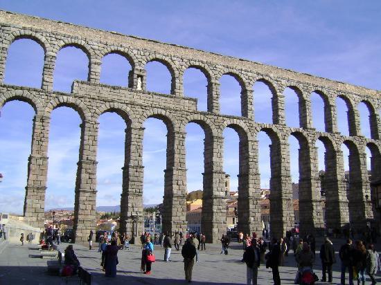 ท่อส่งน้ำเซโกเวีย: Acueducto de Segovia