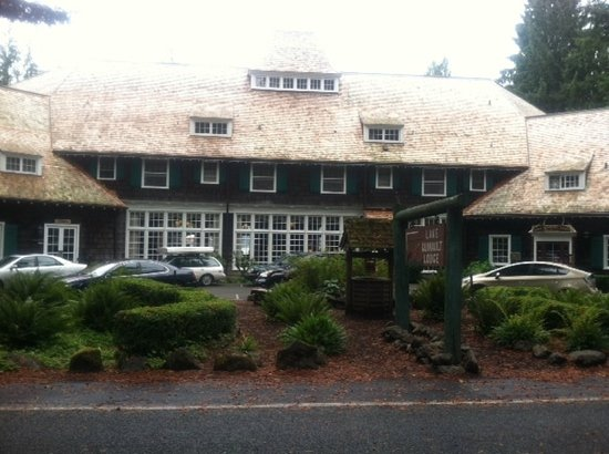 Roosevelt Dining Room: Front side of the lodge.