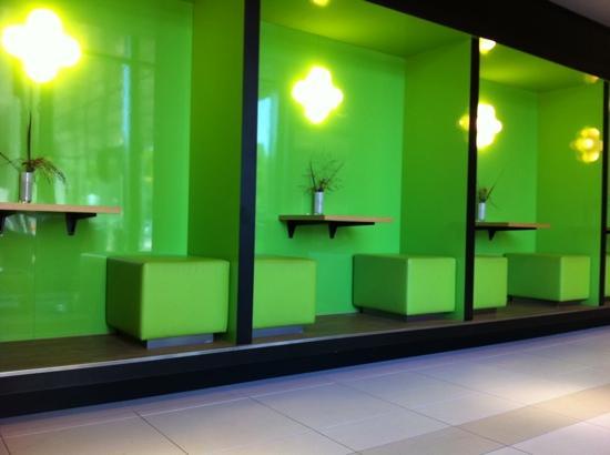 โรงแรมโนโวเทล อัมสเตอร์ดัมซิตี้โฮเต็ล: reception area