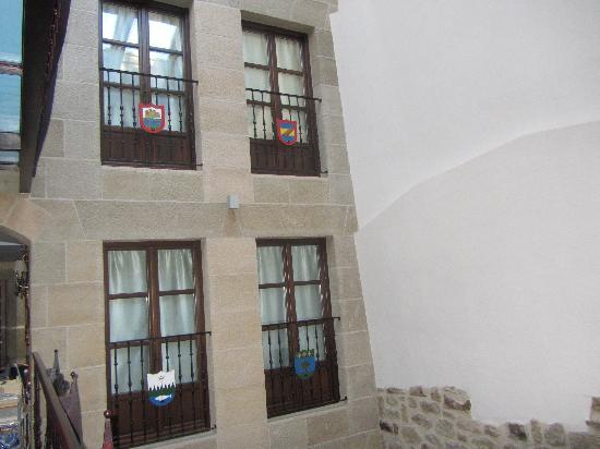 Hotel Hospederia de los Parajes: Habitaciones desde el patio
