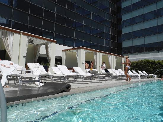 Vdara Hotel & Spa: Cabanas available for rental are great. You get a private pool with this