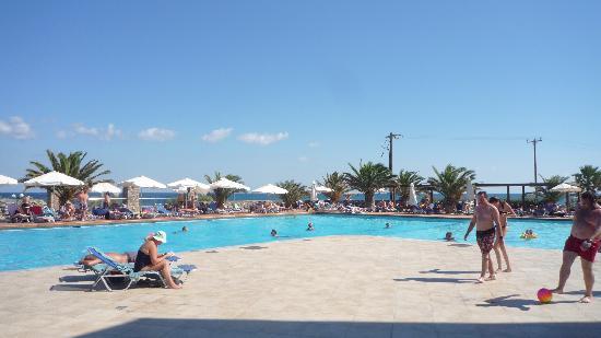 Beach Club Aphrodite: Main swimming pool
