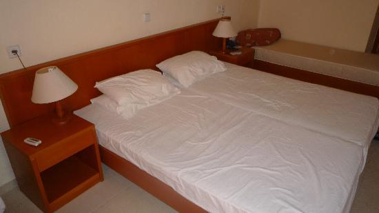 Beach Club Aphrodite: Typical bedroom