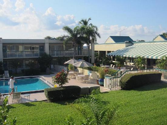 Best Western Downtown Stuart: pool area