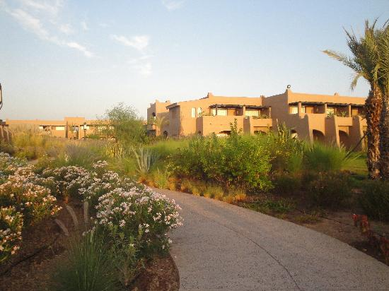 ClubHotel Riu Tikida Palmeraie : Accomodation Blocks & Gardens