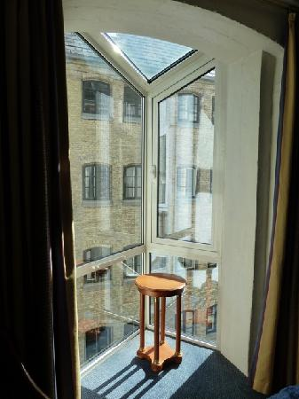 Copenhagen Strand: bay window with building across the alley (superior double room)