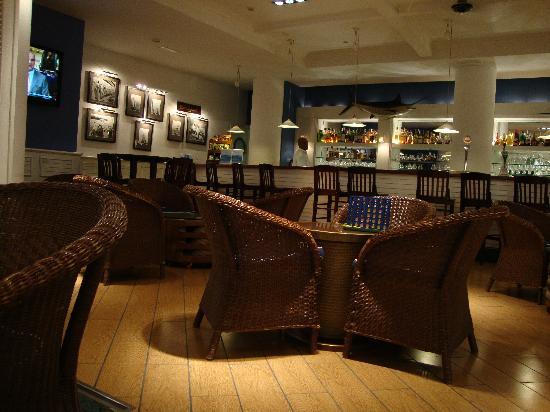 Marina Suites: Hotel Bar